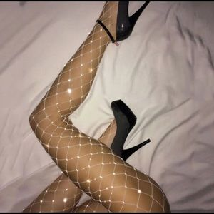 Shiny Pantyhose in a grid Fishnet Tights Stockings